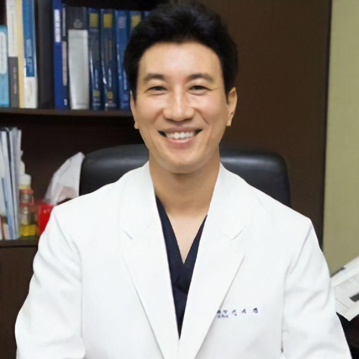 Prof. Yi-Kyoung Shin